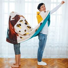 SOMNmic (the tiniest nap in Romanian) is a project sewn and embroidered by Molcush and illustrated by Alexia Udriște, because however long, every nap needs a story. Bean Bag Chair, Harem Pants, Sewing, Illustration, Home Decor, Fashion, Moda, Harem Trousers, Dressmaking