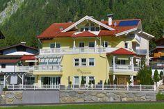 Ferienwohnungen, Mayrhofen. Herzlich Willkommen in unserer Villa Romantica! Bei uns können Sie wohnen, nicht nur übernachten!