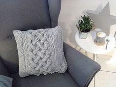 Декоративная подушка из шнура