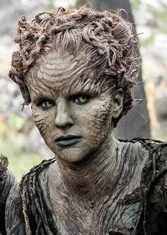 Are you looking for inspiration for got jon snow?Browse around this website for unique GoT images. These inspirational memes will make you happy. Winter Is Here, Winter Is Coming, Jon Snow, Forest Games, Children Of The Forest, Game Of Thrones Costumes, Daenerys Targaryen, Elves And Fairies, Fx Makeup