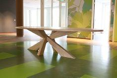 westra-interieur/ tafels, kasten, stoelen, meubelfabriek