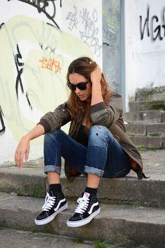 37 Fashionable Ways To Wear Vans #vans #sneakers #school #outfits