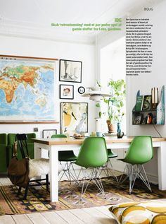 I like the way this space easily transitions from eating area ,desk/ office/ activity area. Utile for small space living.