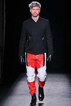 Maison Margiela Fall 2012 Menswear Fashion Show