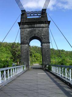 Bridge in la Réunion https://www.hotelscombined.fr/Place/Reunion.htm?a_aid=150886 http://abnb.me/e/1Bw4yfnlSC