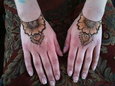 Lovely simple design. TF2 by Nomad Heart Henna, via Flickr
