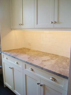 cream cabinets what hardware | kitchens - Benjamin Moore - Decorator's White - cabinets cream white ...
