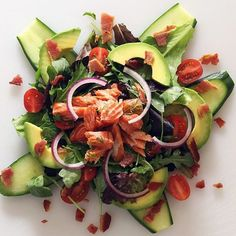 """""""Happy Wednesday SizzleFish fans! @paleo_newbie_recipes has a simple and very flavorful surf n turf salad to share with us today! Her neighbor smoked some @sizzlefishfit Sockeye Salmon that Trina served over fresh veggies and topped with @5280meat bacon and a drizzle of @kasandrinos! A perfect lunch of health!  .  You can find all of our perfectly portioned fish and shellfish on our website: www.sizzlefish.com  ______________________________"""