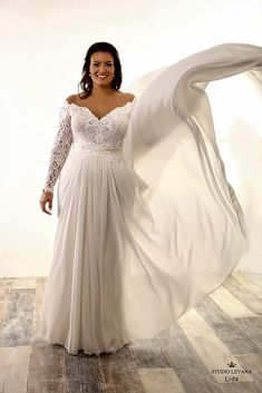 Beautiful plus size wedding gown with long lace sleeves and detachable  chiffon skirt with long train 9f3f68d89fb9