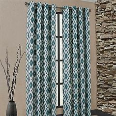 The attractive Carsen Grommet Window Curtain Panel is crafted out of a yarn-dyed, jacquard fabric. The panel features zigzag shapes that create a geometric design, bringing a subtle touch of flair to any room.