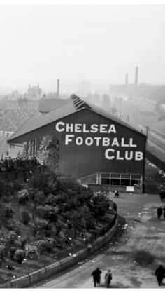 Stamford Bridge, Chelsea in the Football Firms, Epl Football, Football Stadiums, Football Stuff, Football Boots, British Football, Chelsea Football, Vintage London, Old London