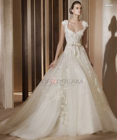 Beautiful neckline and Gown. Ball Gown Queen Anne Appliques Bow Organza long white Wedding Dress
