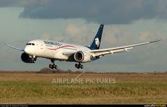 Aeromexico N964AM aircraft at Paris - Charles de Gaulle photo