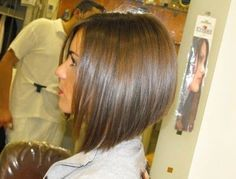 Choppy and Wavy Lob - 60 Inspiring Long Bob Hairstyles and Long Bob Haircuts for 2019 - The Trending Hairstyle Short Graduated Bob, Graduated Bob Hairstyles, Medium Bob Hairstyles, Cool Hairstyles, Graduated Bob With Fringe, Inverted Bob Haircuts, Haircuts For Long Hair, Trendy Haircuts, Layered Haircuts
