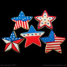 Red white and blue star cookies for 4th of July.  LOVE the black outlined star.