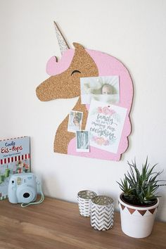 Notice Boards – Einhorn Kork-Pinnwand, Memoboard in Rosa – a unique product by WOODMO on DaWanda(Diy Geschenke Basteln) Unicorn Rooms, Unicorn Bedroom, Diy And Crafts, Crafts For Kids, Unicorns And Mermaids, Unicorn Crafts, Unicorn Diys, Ideias Diy, Unicorn Birthday Parties