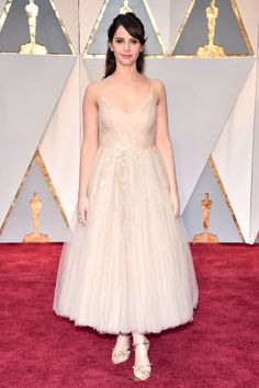 080d48662292e1 On Felicity Jones  Dior dress  and Niwaka jewelry. 5 Unconventional Bridal  Looks to Copy From the Oscars Red Carpet via