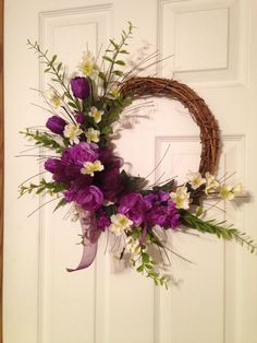 Gorgeous Spring Wreath Decor Idea For Your House 06 Purple Wreath, Floral Wreath, Diy Spring Wreath, Outdoor Wreaths, Creation Deco, Easter Wreaths, Wreaths For Front Door, Grapevine Wreath, Grape Vines