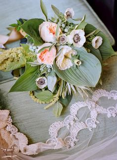Rodeo & Co Photography  Emily Herzig Floral Design Emily Riggs Bridal Veil