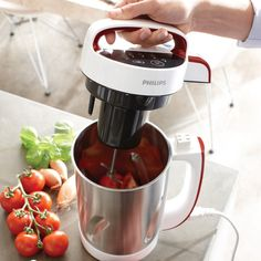 Philips Viva Collection Soup/Smoothie/Compote Maker Philips Viva Soup Maker A thusup and smoothie maker has ne'er been so cool! Fruit Smoothie Recipes, Pear Smoothie, Strawberry Smoothie, Smoothie Makers, Sugar Cravings, Frappe, Fruits And Veggies, Yummy Drinks, Summer Recipes