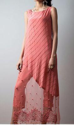 Super sewing patterns tunic for girls Ideas Pakistani Dress Design, Pakistani Wedding Outfits, Pakistani Dresses, Indian Dresses, Stylish Dresses, Simple Dresses, Casual Dresses, Fashion Dresses, Kurti Neck Designs