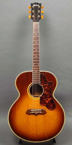 1940 Gibson Spruce Top, Mahogany Back & Sides. Gibson Acoustic, Gibson Guitars, Acoustic Guitars, Gretsch, Vintage Guitars, Pop Rocks, Playing Guitar, Ukulele, Musical Instruments