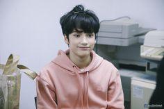 TXT Hueningkai I like him in pink❤ Kai, Bts Memes, Half Korean, Drama, The Dream, Korean American, Photo Sketch, Cat Dog, Tsundere