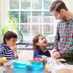 5 consejos para preparar una lonchera saludable a los niños. Puedes leerlos aquí: http://www.guiainfantil.com/articulos/alimentacion/ninos/5-consejos-para-preparar-una-lonchera-saludable-a-los-ninos/ #alimentacion #vueltaalcolegio