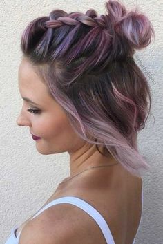 50 Pretty Short Hair Updos You'll Want to Wear to the Next Party Lovely Short Hair Updos That Are Perfect Side Bun Hairstyles, Prom Hairstyles For Short Hair, African Braids Hairstyles, Medium Bob Hairstyles, Trending Hairstyles, Bangs Hairstyle, Hairstyles Videos, Summer Hairstyles, Pretty Short Hair