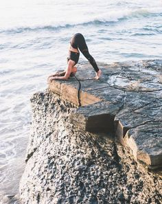 @aubrymarie in the #AloYoga Bind Fitted Bra Tank #yoga #inspiration