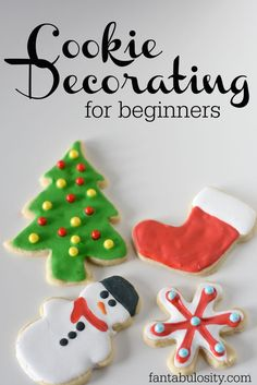 Cookie Decorating for Beginners: with Royal Icing. Sharing tips and tricks on how to make cookie decorating easier, with royal icing! Sugar Cookie Royal Icing, Iced Sugar Cookies, Christmas Sugar Cookies, Holiday Cookies, Christmas Baking, Cut Out Cookie Frosting Recipe, Iced Sugar Cookie Recipe, Easy Royal Icing Recipe, Christmas Deserts