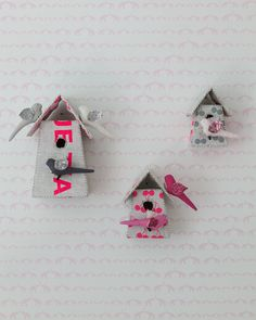 Adorable birdhouse decor in this modern pink nursery from @sissyandmarley!