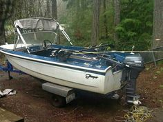 Fishing rig Boat Pics, Make A Boat, Vintage Boats, Fishing Rigs, Bobber, Boating, Classic, Outdoor Decor, Derby