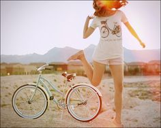 Beautiful picture with a beach cruiser.