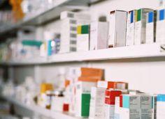 Via gedeeld farmaceutisch dossier weet iedere apotheker welke medicijnen u neemt Om een veilig geneesmiddelengebruik te kunnen garanderen, kunnen apothekers voortaan bepaalde gegevens delen mits toestemming van de patiënt.