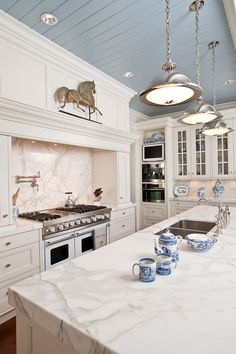 dreamy counter tops and lights!