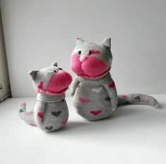 pair of sock cats Fabric Animals, Sock Animals, Sock Monster, Puppet Toys, Handmade Stuffed Animals, Animal Rug, Sock Toys, Sock Crafts, Recycled Sweaters