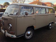 1969 T2 Early Bay Deluxe Microbus