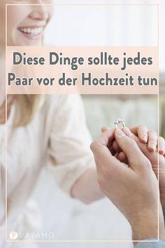 Verliebt, verlobt, verheiratet – aber Achtung, vor dem letzten Schritt sollte ein Paar einige Dinge erledigt haben. Welche das sind, erfahren Sie hier.