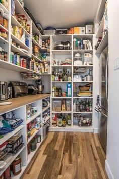 Modern Kitchen Pantry Ideas Kitchen Pantry Design Ideas - When it comes to kitchen organization, the pantry is an important location to turn your focus. How to organize canned goods Kitchen Pantry Design, Kitchen Organization, New Kitchen, Kitchen Storage, Organization Ideas, Awesome Kitchen, Kitchen Decor, Storage Ideas, Kitchen Pantries