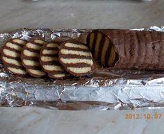 Ez a hamis krémtúrós recept eddig senkinek nem okozott csalódást Condensed Milk Cake, Hungarian Recipes, Dessert Recipes, Desserts, Yummy Cookies, Biscuit Recipe, Coffee Recipes, Winter Food, Fudge