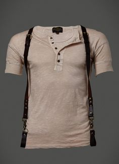 PRODUCT DESCRIPTION This finely crafted leather suspender with antique brass…