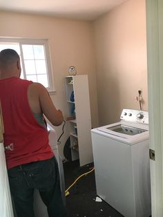 laundry-room-makeover-the-before