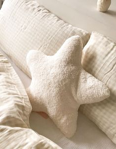 A'ROOM LITTLE STAR小星星抱枕 | PAZZO 生活好感衣著 Bed Pillows, Pillow Cases, Room, Bedroom, Rooms, Peace