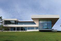 Retrospect Vineyards: Modern Californian home by Swatt Miers Architects   10 Stunning Homes