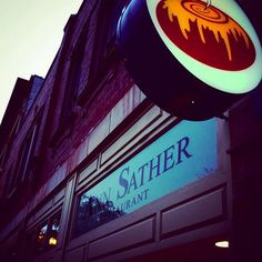 """Ann Sather Restaurant  •   3411 N Broadway Street, Lakeview    •  """"If you are in Chicago and haven't had a cinnamon bun here, all I have to say is...for shame!""""  •     https://www.buzzfeed.com/annakopsky/best-hidden-gems-in-chicago?utm_term=.rxZKAKo7V"""