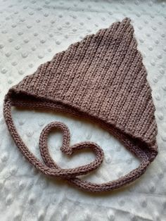 Сap elf -knitted brown hat bor baby (for age 3-6 months) AVAILABLE knitted of 40% merino wool, 20% cashmere yarn Can be used as a Photo shoot props for the baby , and for daily walks Baby Hats Knitting, Knitted Baby, Ship Craft, Kids Winter Hats, Cashmere Yarn, Age 3, Walks, Merino Wool, 6 Months