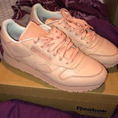 25309b3ce96 Shop Women s Reebok size 8 Sneakers at a discounted price at Poshmark.  Description  Salmon colored Reebok Classics women s size Worn 3 times.