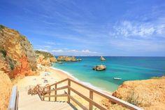 Praia Dona Ana (Algarve) - 10 lugares em Portugal que parecem saídos dos contos de fadas | Tá Bonito