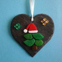 Christmas tree micro mosaic on natural slate di Crazy4Mosaics